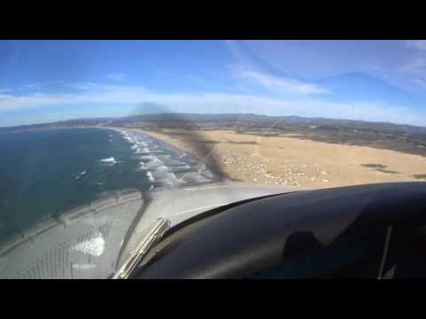 Cirrus SR22 - Beach tour and landing at Oceano L52, with 15kt crosswind