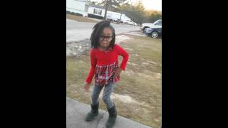 shes lit dancing to chipmunk young thug