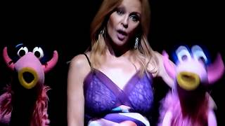 The Muppets & Kylie Minogue  - Mahna Mahna - O2 Arena, London - July 2018