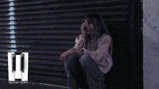 Смотреть клип Mark Azekko Ft. Misha Miller - Insane