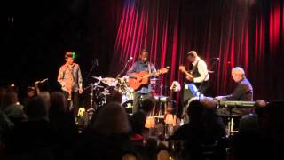 Earl Klugh - Living Inside Your Love, live at Seattle's Jazz Alley 2016