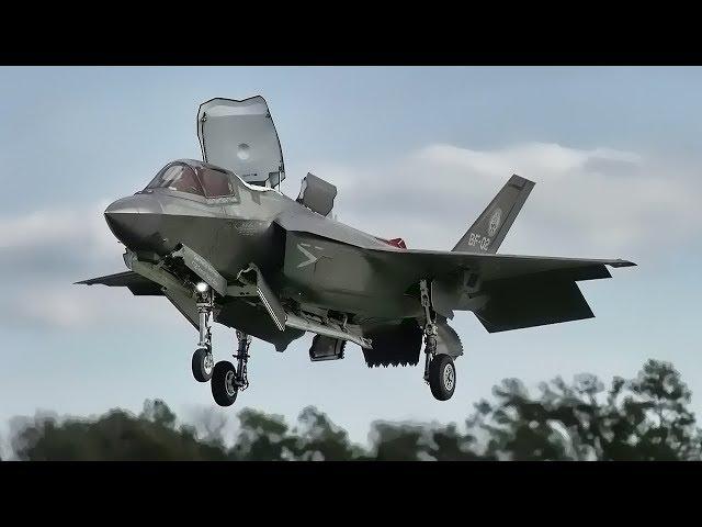 El primer aterrizaje vertical del F-35B en superficie inclinada