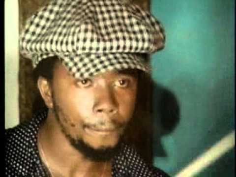 Roots Rock Reggae (1977)
