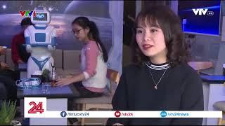 Trải nghiệm Robot phục vụ Cafe đầu tiên tại Hà Nội | VTV24