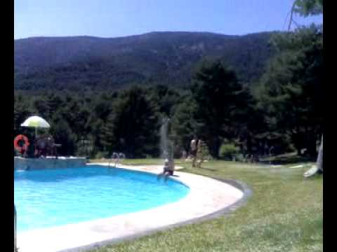Piscinas naturales de cercedilla youtube for Albercas naturales