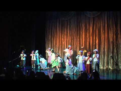 kids singing Pahiram ng Isang Kanta - Spotlight Artists Recital 2014