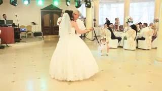 Самый трогательный танец отца и дочери на свадьбе