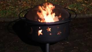 Landmann Feuerstelle / Feuerkorb 11771 mit Grillrost und Funkenschutz