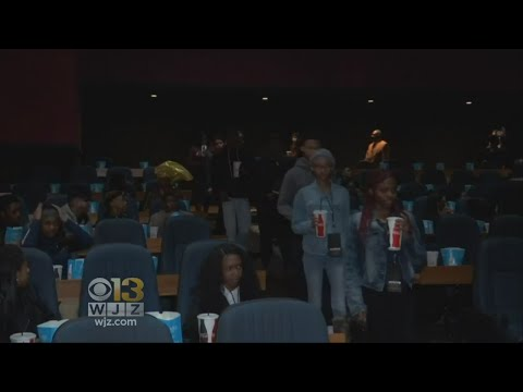Cinemark Theatres Bans Big Bags
