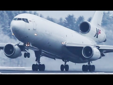The DC-10 is still ALIVE - Douglas Dc-10 ARRIVAL and DEPARTURE