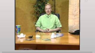 Moderator verschluckt sich in einer Live-Sendung