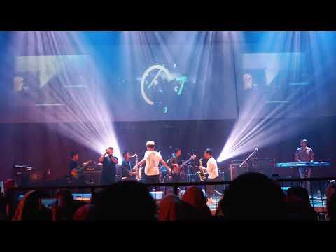 Juicy Luicy - Mawar Jingga (Live at UMY)