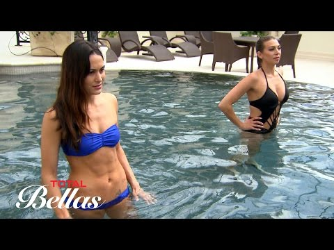 Brie uncomfortably watches Lexie teach Bryan how to swim: Total Bellas, Oct. 12, 2016