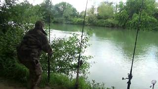 peche du silure au cassant / deux touches en direct......catfish fishing........HD