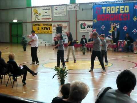 tecktonik crisa dance 13 03 2011