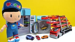 Hot Wheels arabaları toplayalım! Pepee ve İtfaiyeci Sam ile oyun videoları izle!