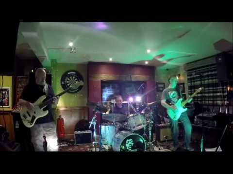 Graham Henderson Experience - red house