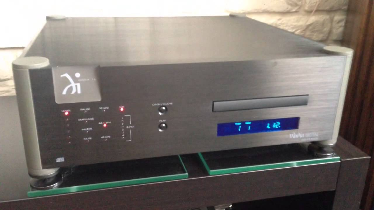 Wadia 16 Cd Player   Accuphase A20
