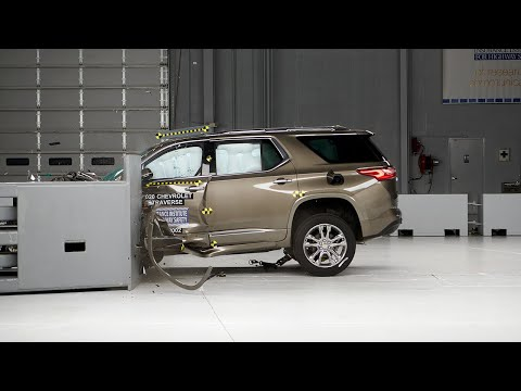 2020 Chevrolet Traverse Driver-side Small Overlap IIHS Crash Test