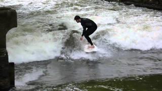 Surf dans le Jardin Anglais (Englischer Garten) à Munich