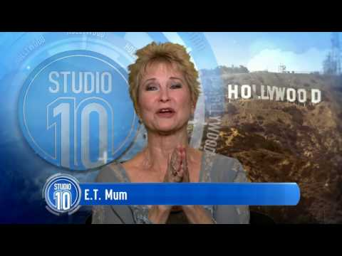 Dee Wallace Talks Steven Spielberg, 'E.T.' & Screaming  Studio 10