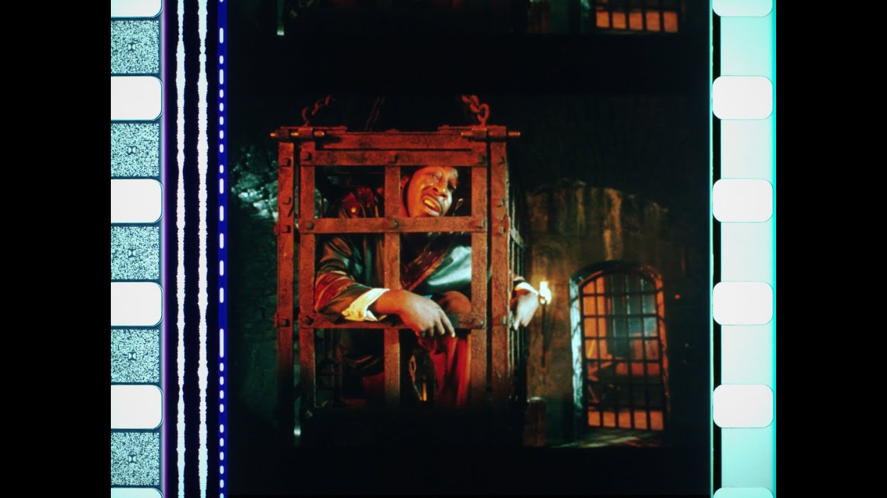 Download Black Knight (2001), 35mm film trailer, open matte 1.17:1 ratio