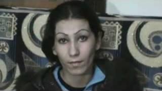 اعتراف إمرأة شبيحة  بخطف نساء بأوامر من الامن السوري HOMS