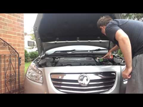 vauxhall insignia changing car battery doovi. Black Bedroom Furniture Sets. Home Design Ideas