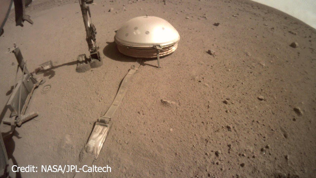 Mars - Sonde Insight baggert