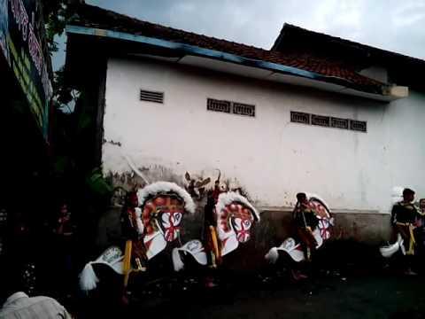 Putro dewo bathoro live gedangan 2