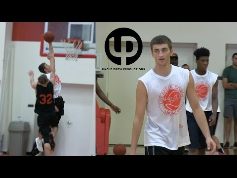 6'2 Tyler White is WATER from Beyond the Arc! Lefty CG with Handles