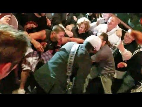 Limp Bizkit Guitarist Wes Borland Jumps In The Mosh Pit During Break Stuff   Rock Feed