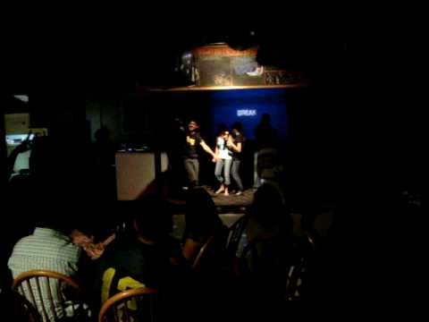 St Kitts - karaoke night vid 3