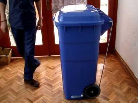 Bote de basura de 240 litros con tapa y ruedas youtube for Como cocinar alubias de bote