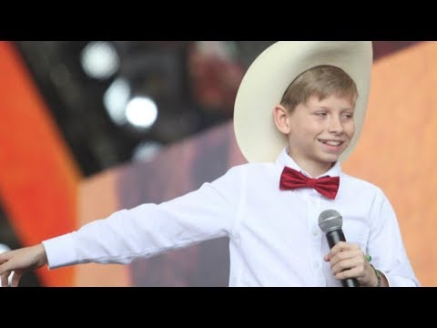 [OFFICIAL VIDEO] Yodeling Walmart Kid...
