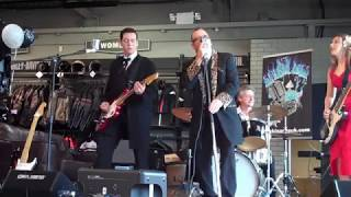 tear it up live at warrs