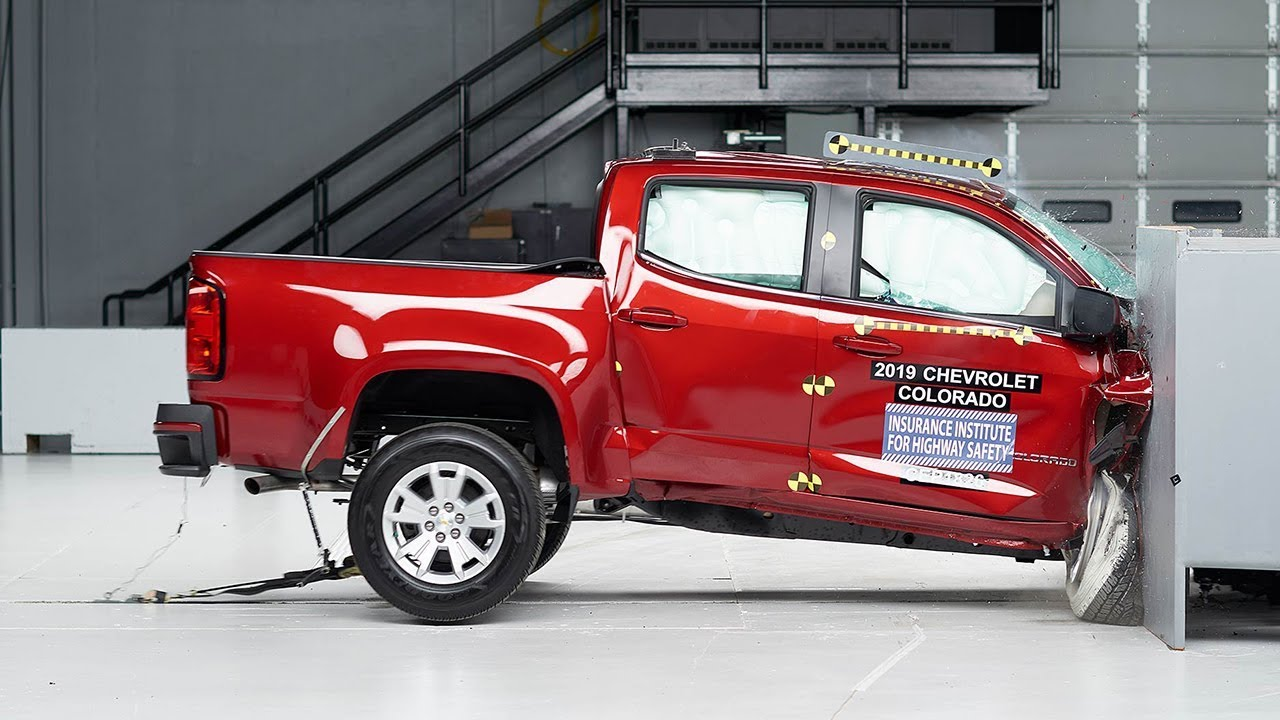 Chevrolet, GMC Pickups Underperform Crash Tests | GM Authority