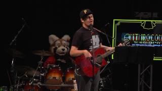 AC2016 Fox Amoore & Pepper Coyote - #HASHTAG