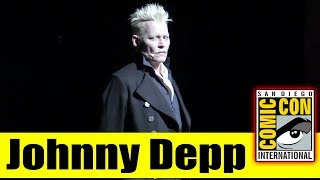 JOHNNY DEPP Surprises Fans at FANTASTIC BEASTS: THE CRIMES OF GRINDELWALD Panel | 2018 Comic Con