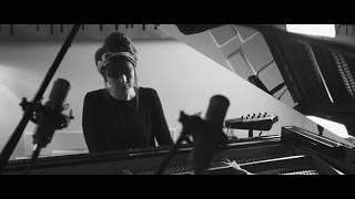 Poppy Ackroyd - Birdwoman (Official Live Video)