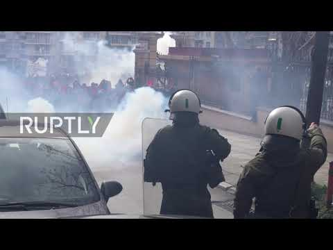 Greece: Firebombs thrown at police as Thessaloniki students protest education bill