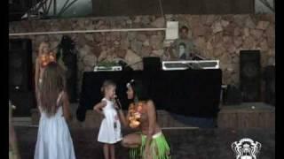 видео Гавайская семья