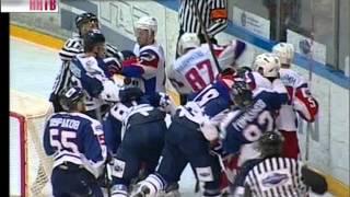Хоккеисты «Чайки» дали уйти вперед в финальной серии кубка Харламова ярославскому «Локомотиву»