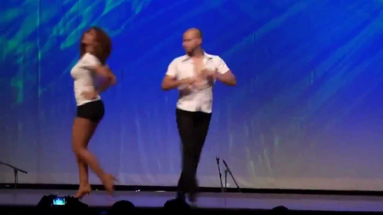Сексулный танец
