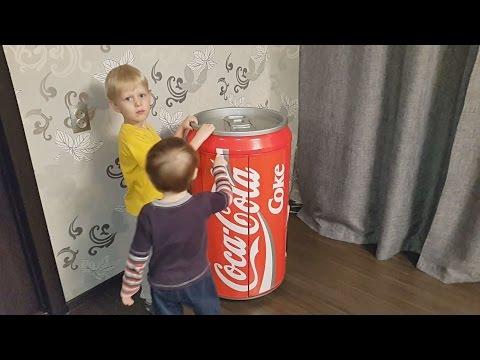 Конфеты. Находим много конфет в огромной банке кока-кола, сюрпризы для детей. шоколад a lot of candy