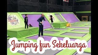 Download Video Jalan jalan sekeluarga sebelum anak2 pergi | Jumping Fun MP3 3GP MP4