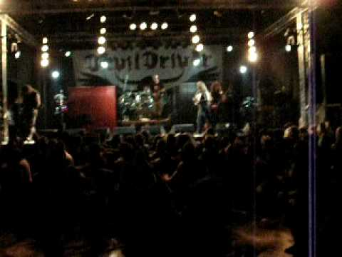 Devildriver - Circle Pit at Flamefest Bologna 06 06 2009