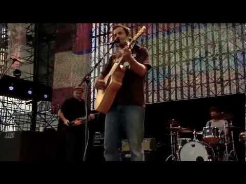 Jack Johnson - Good People (Live at Farm Aid 2012)