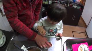 今回は息子とチョコを作ってみました。 参考動画:https://www.youtube....
