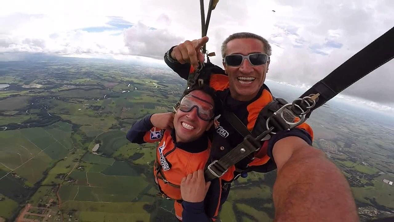 Salto de Paraquedas do Renato S na Queda Livre Parequedismo 07 01 2017